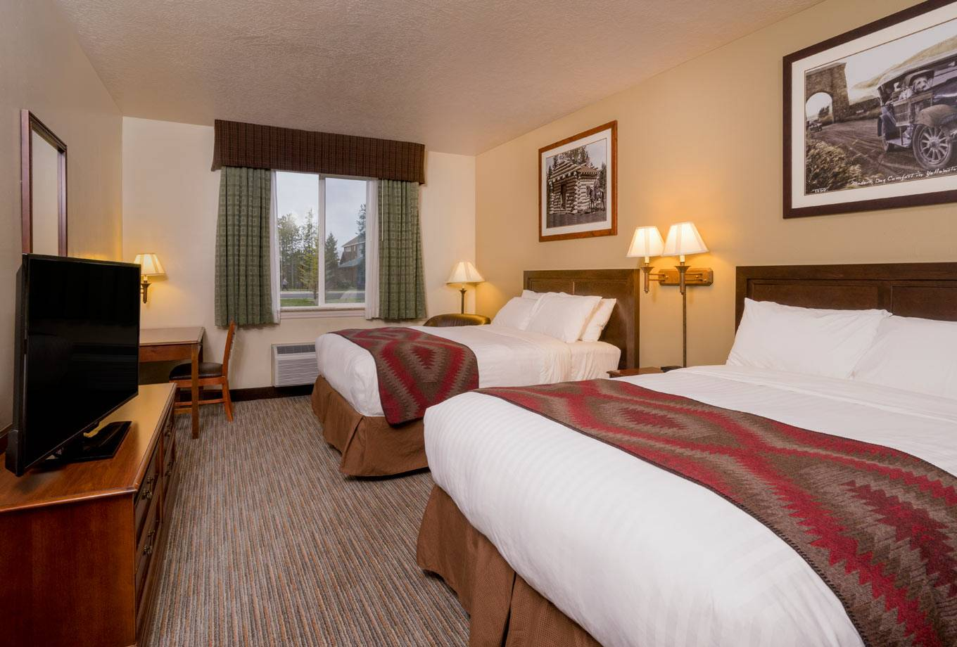 Yellowstone Park Hotel double deluxe queen room
