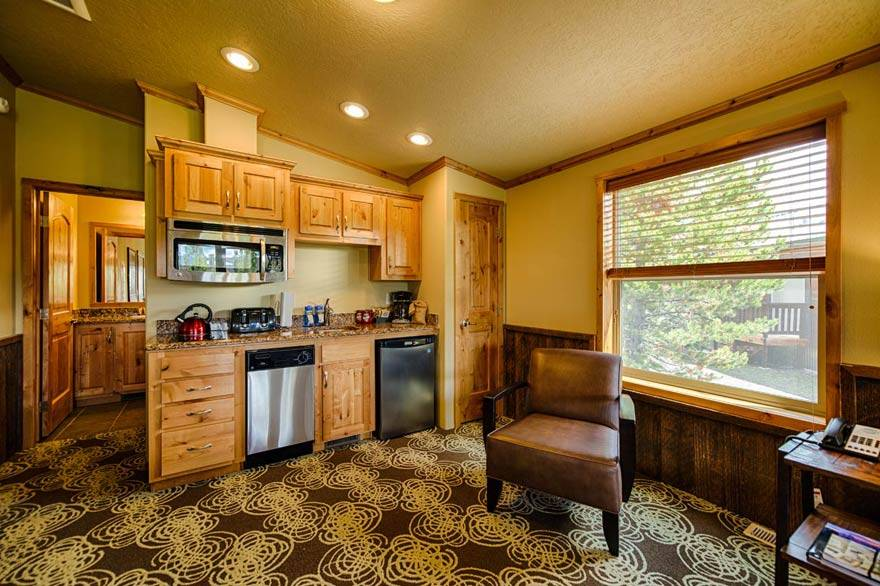 Love to cook? So do we! All Explorer Cabins feature a kitchenette for light cooking.