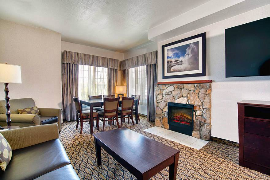 Executive Suite living room at Holiday Inn West Yellowstone