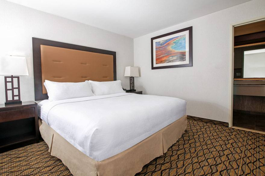 Holiday Inn Family Rooms can sleep up to 6 people