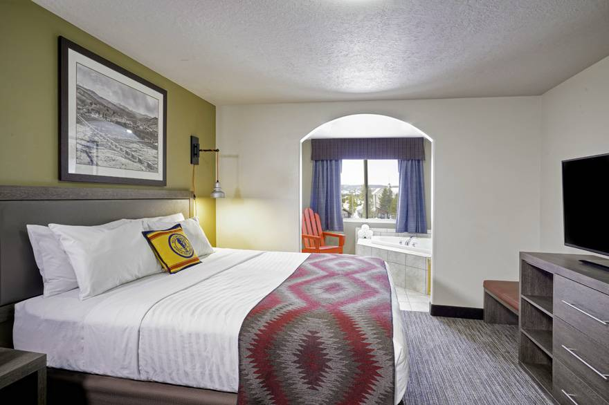 Yellowstone Park Hotel Luxury Suite