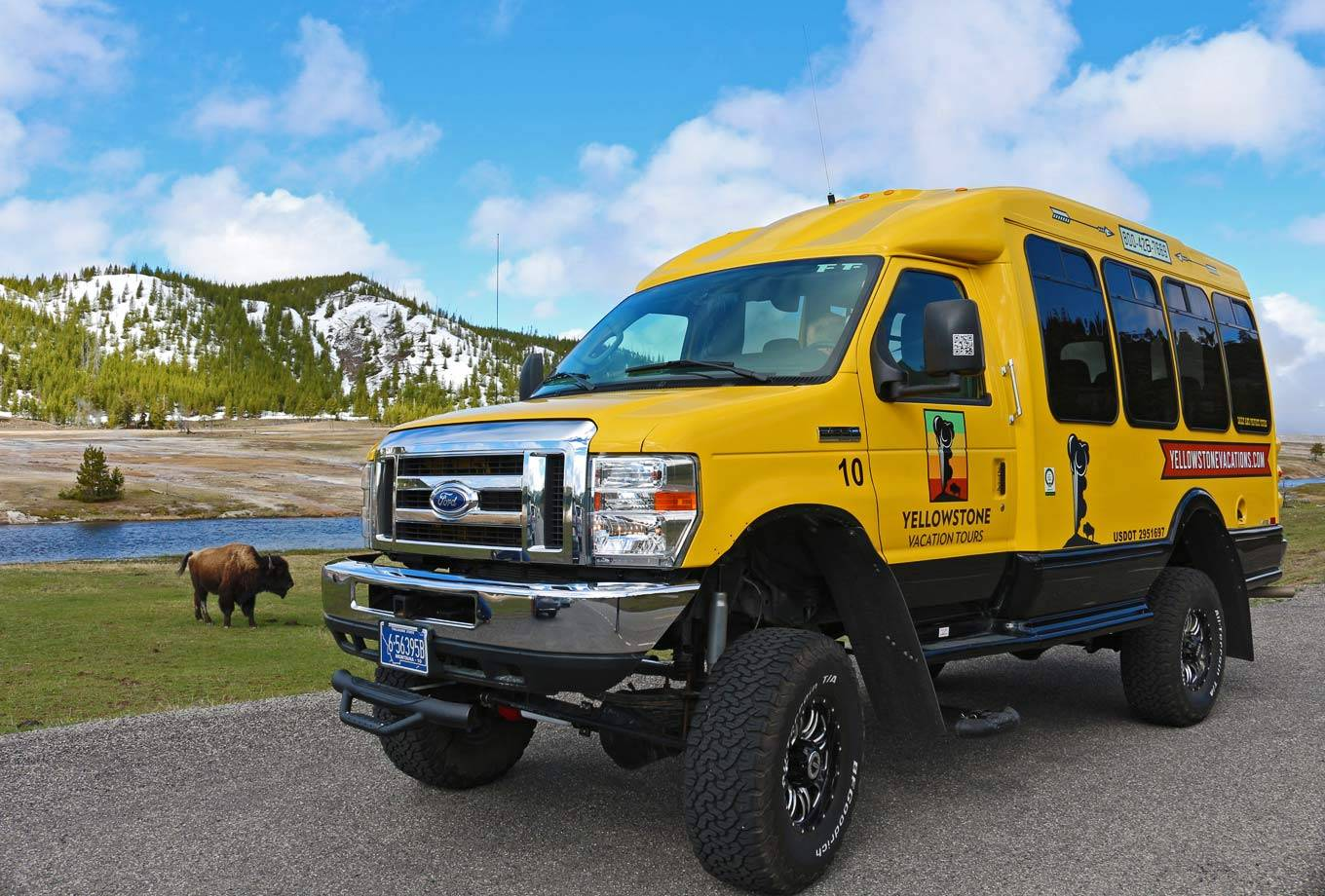 Yellowstone National Park Summer Bus Tours