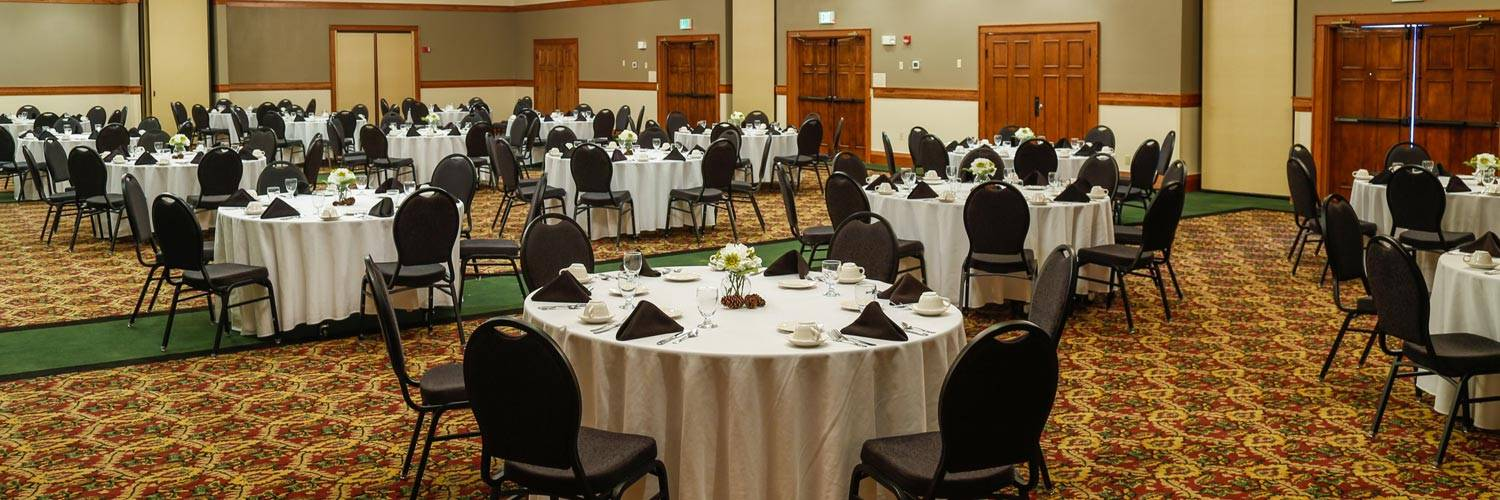 Yellowstone banquet rooms with dinner tables and chairs