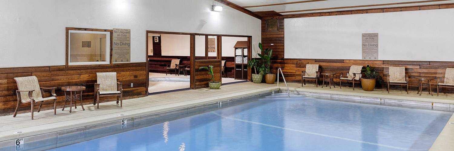 Indoor heated swimming pool at the Best Western by Mammoth Hot Springs