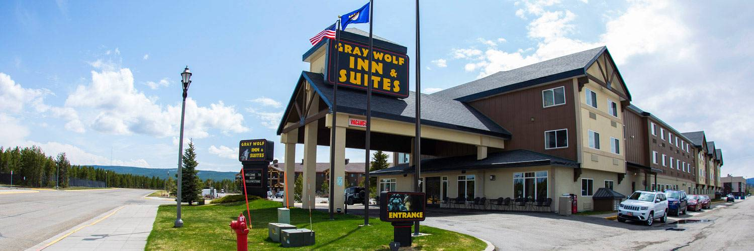 Yellowstone National Park Lodging Gray Wolf Inn Amp Suites West Yellowstone