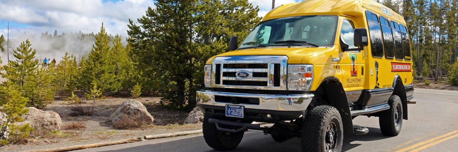 Summer bus tours in Yellowstone National Park