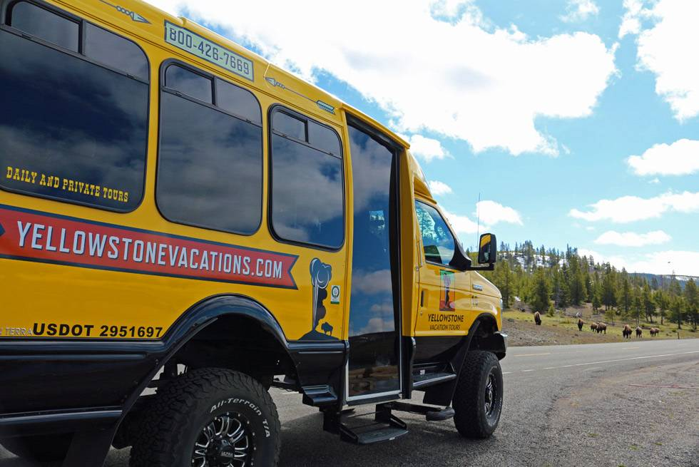 Yellowstone National Park sightseeing tours
