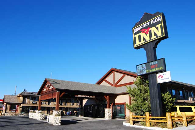 Brandin' Iron Inn, Yellowstone inn