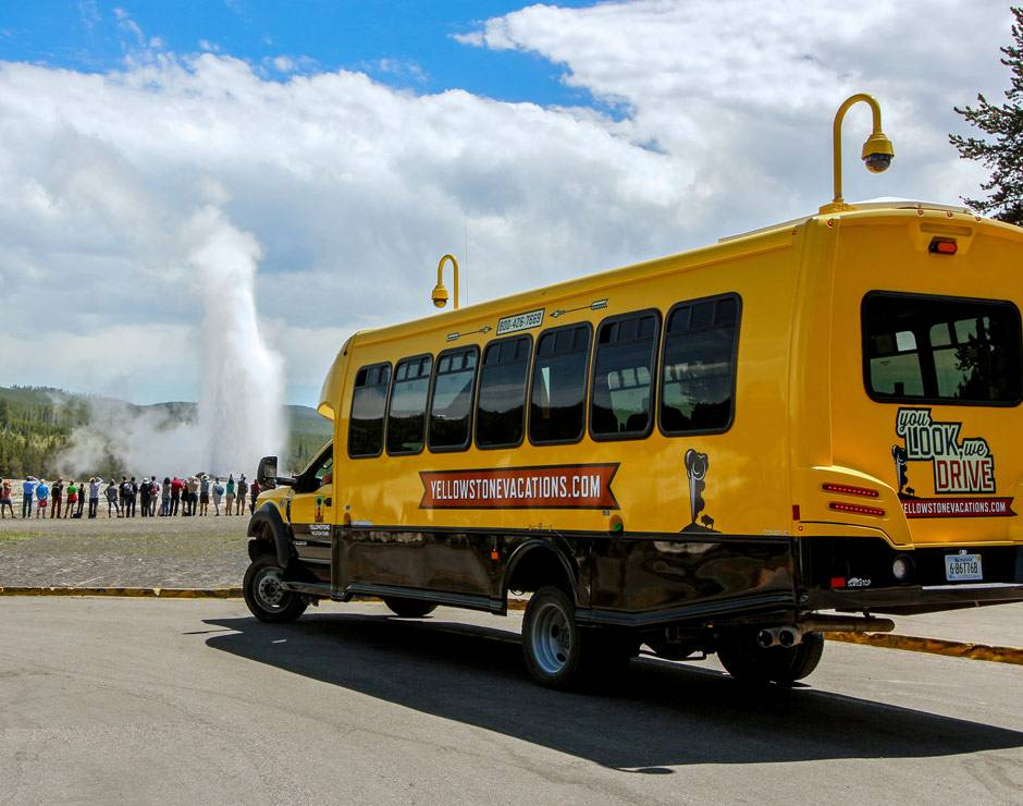 Summer tours of Yellowstone National Park