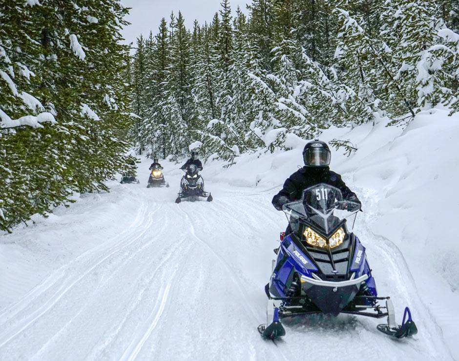 Snowmobile rentals with Yellowstone Vacation Tours