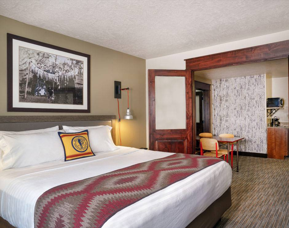 Yellowstone Park Hotel guestroom